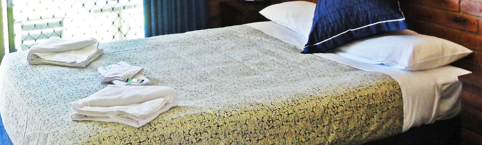 Comfortable Queen size bed at Bullanginya Lodge